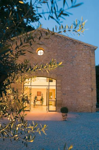 Hôtel Le Pré Galoffre : Hotel near Caissargues
