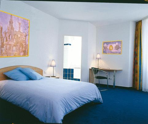 Amadeus Hotel : Hotel near Hottviller