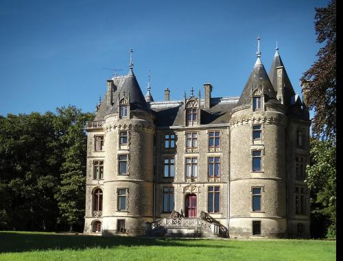 Chateau Isle Marie - B&B : Bed and Breakfast near Carentan