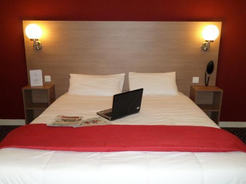 Hotel Restaurant La Luna : Hotel near Saint-Nazaire