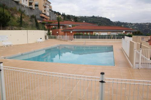 Apartment Le Panorama : Apartment near Falicon