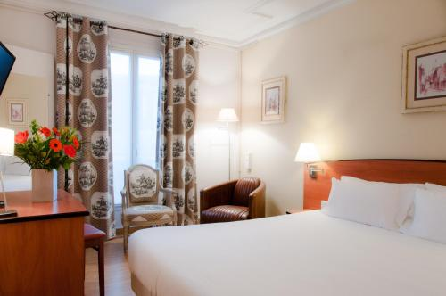 Hotel Eden Montmartre : Hotel near Saint-Ouen