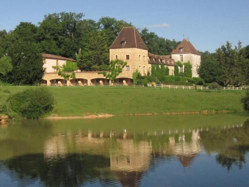 Manoir du Grand Vignoble : Hotel near Beleymas