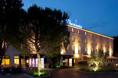 Escale Oceania Aix-en-Provence : Hotel near Bouc-Bel-Air