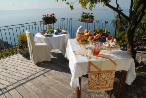 Chambre d'hôtes de charme La Belle Vue : Bed and Breakfast near Gorbio