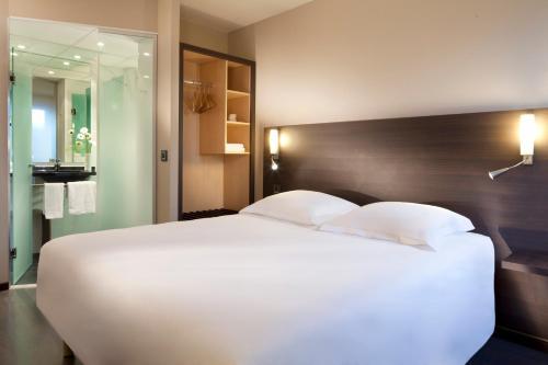 Escale Oceania Nantes : Hotel near Bouguenais