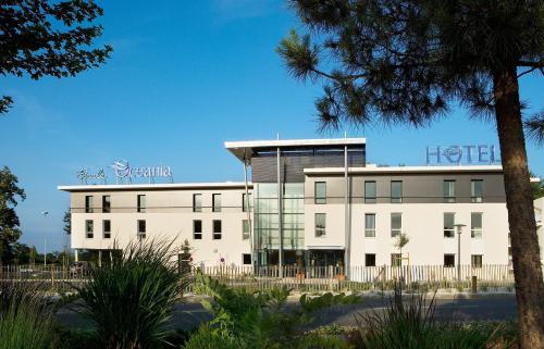 Escale Oceania Rennes Cap Malo : Hotel near Clayes