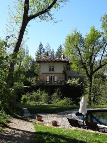 Hostellerie Restaurant Les Gorges de l'Aveyron : Hotel near Lavaurette