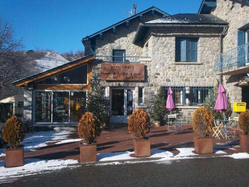 Le Bistrot de la Place : Bed and Breakfast near Bourg-Madame