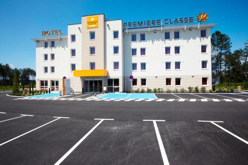 Première Classe Mont de Marsan - Saint-Avit : Hotel near Larrivière-Saint-Savin