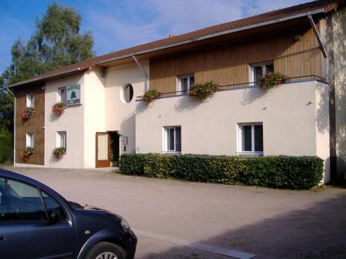 Hôtel Les 3 Sapins : Hotel near Épinal