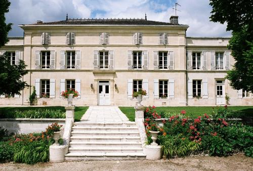 Chateau De Mesnac : Guest accommodation near Haimps
