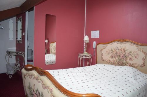 Hotel Central Anzac : Hotel near Bavelincourt