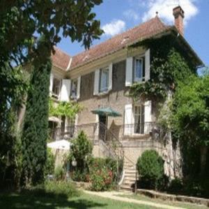 Chambres d'hôtes Les Pratges : Guest accommodation near Saint-Perdoux