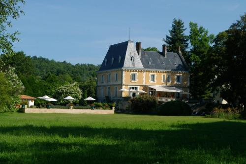 Château de Villars : Guest accommodation near Saint-Martial-de-Valette