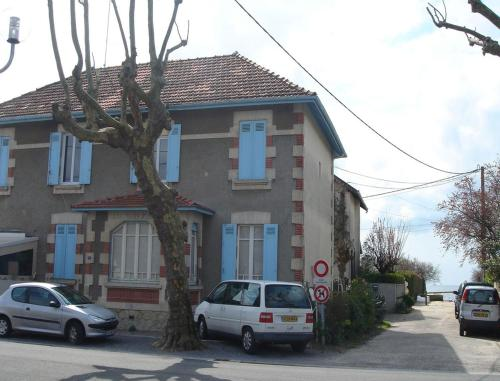 Les Flots Bleus : Bed and Breakfast near Andernos-les-Bains