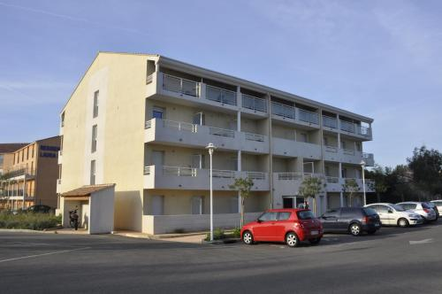 Appart'Hotel Le Beau Lieu : Guest accommodation near La Garde