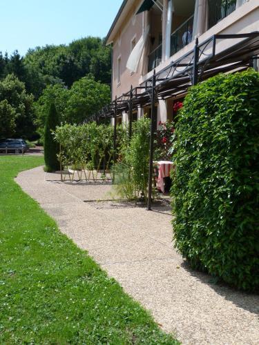 Hôtel Restaurant La Terrasse : Hotel near Ranchal