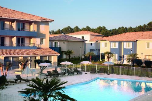 Appart'City Bordeaux Aéroport St Jean D'Illac : Guest accommodation near Marcheprime