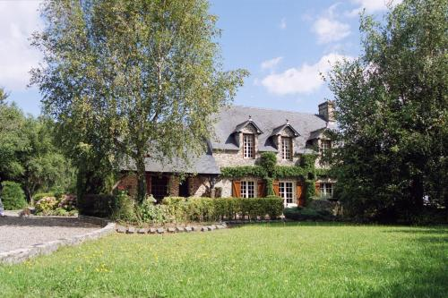 La chaumière : Bed and Breakfast near Gratot