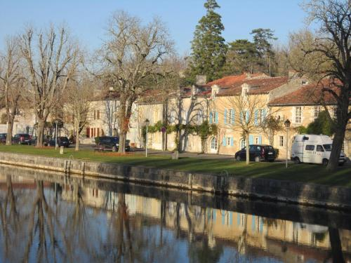 L'Etoile du Port : Bed and Breakfast near Blanzay-sur-Boutonne