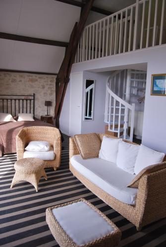 Hôtel Restaurant Le Mûrier de Viels : Hotel near Faycelles