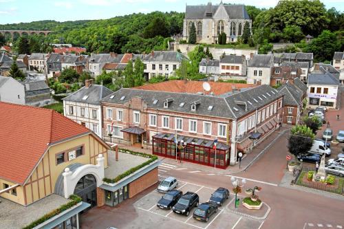 Hotel & Restaurant Le Cardinal : Hotel near Bermesnil