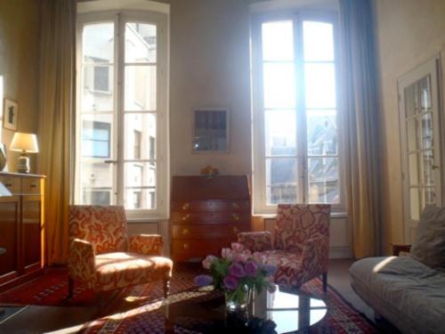 Apartment Living in Paris - Saint Pères : Apartment near Paris 7e Arrondissement