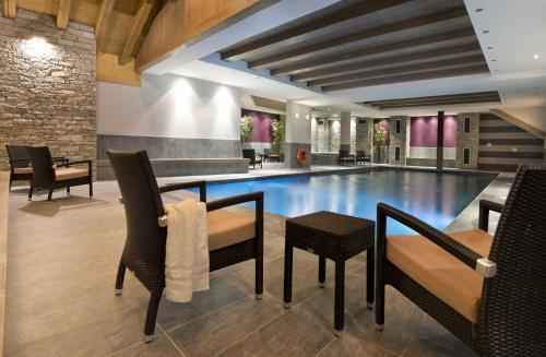 CGH Résidences & Spas Le Chalet des Dolines : Resort near Montgenèvre