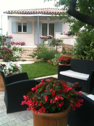Le Clos du Jas : Bed and Breakfast near Marseille 14e Arrondissement
