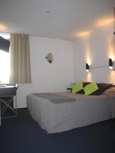Stars Dijon Sud : Hotel near Tart-le-Bas