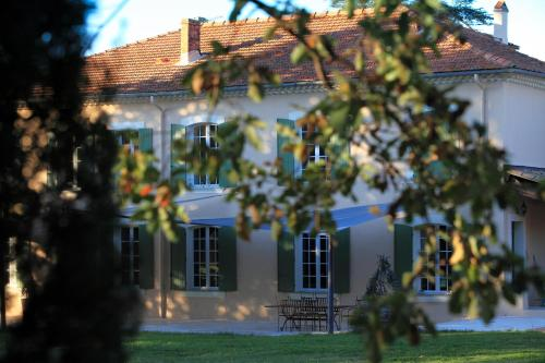 La Maison R : Bed and Breakfast near Carnoules