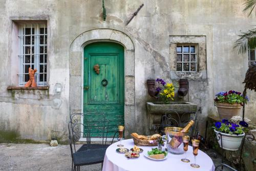 Bastide de la Lauve : Bed and Breakfast near Opio