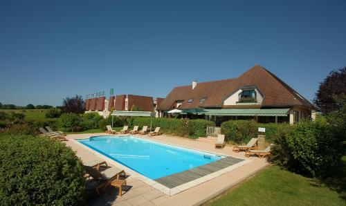 Logis Hostellerie D'Aussois : Hotel near Aisy-sur-Armançon