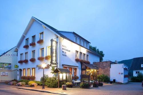 Hotel-Restaurant De La Poste : Hotel near Wisches