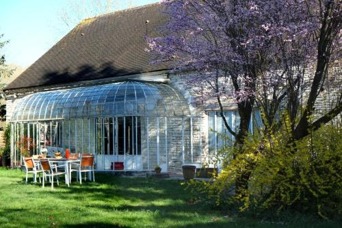 Chez Séverine & Edward : Bed and Breakfast near La Chapelle-Vaupelteigne
