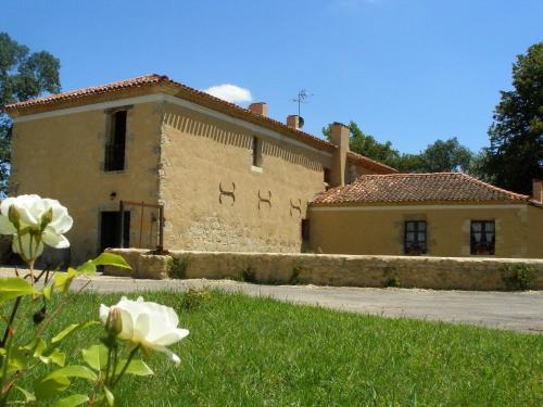 Chambres d'Hôtes Le Moulin de Laumet : Guest accommodation near Justian