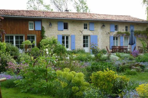 La Cabane de Sèvre : Bed and Breakfast near Le Bourdet