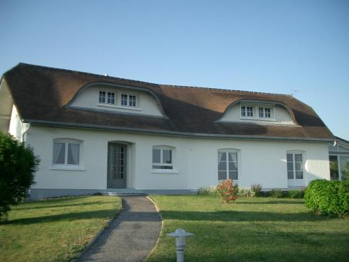 La Source Bleue : Bed and Breakfast near Bussus-Bussuel