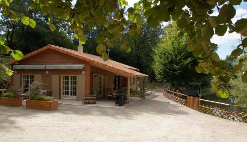 La Cle des Champs : Guest accommodation near Adilly