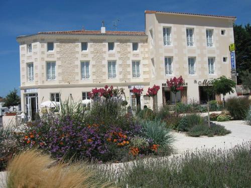 Hotel Le Richelieu : Hotel near Saujon