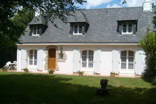 Les Chambres d'Hôtes d'Evelyne : Bed and Breakfast near Brech