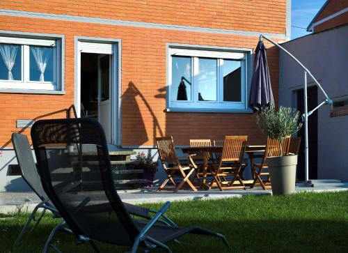 La Maison Orange : Guest accommodation near Sains-en-Gohelle