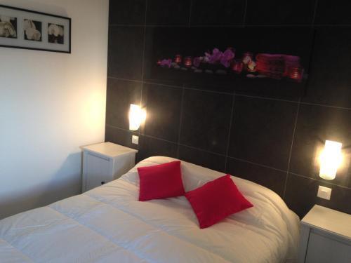 My Hotel Caen Sud : Hotel near Hubert-Folie
