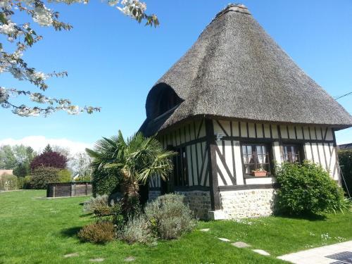 Gites de la Ferme de l'Eglise : Guest accommodation near Fatouville-Grestain