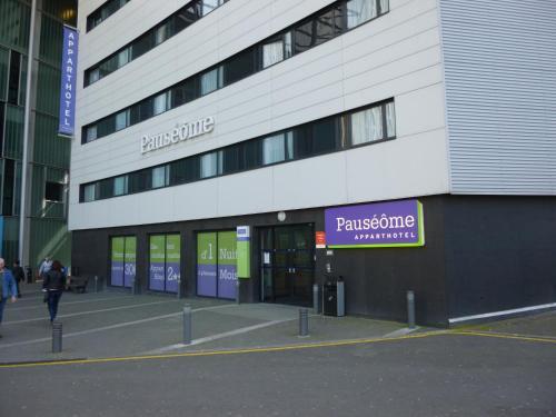 Pauséôme Apparthotel : Guest accommodation near Caen