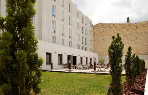 Campanile Bordeaux Centre - Gare Saint-Jean : Hotel near Bègles
