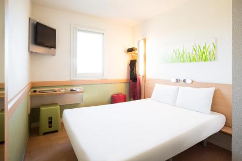 ibis budget Orly Chevilly Tram 7 : Hotel near L'Haÿ-les-Roses