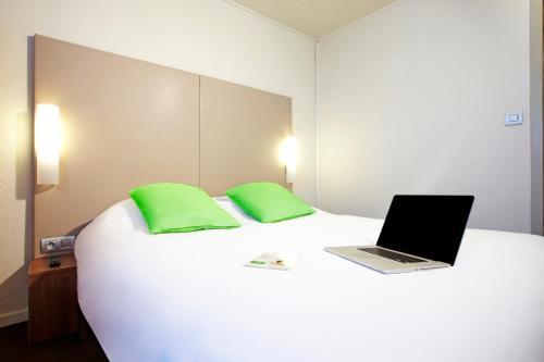 Campanile Paris Est Bobigny : Hotel near Livry-Gargan