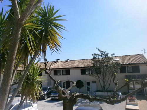 Hotel Le Coudon : Hotel near Solliès-Pont